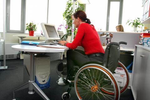 BAG-Urteil vom 16. Februar 2012: Frage nach der Schwerbehinderung im bestehenden Arbeitsverhältnis