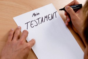 Erbrecht hört man meistens in Verbindung mit einem Muster vom Berliner Testament