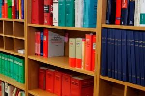 Fachanwälte für Arbeitsrecht kümmern sich um rechtliche Aufklärung im Netz